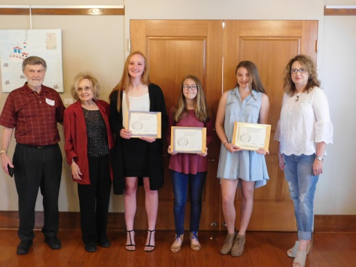 Pictured left to right: PRA President Dennis Patton of Alexander, Arkansas Poet Laureate Jo McDougall of Little Rock, 3rd Honorable Mention Millie Allgood of Little Rock, 1st Honorable Mention McKenzie Young of Sherwood, 1st Place Winner Evie Kinsey of Benton, AR, and PRA Student Contest Co-Chair Laura Loughridge of North Little Rock.